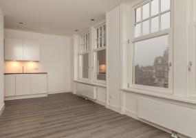 Prins Hendrikkade 7III,Amsterdam,Noord-Holland Nederland,1 Slaapkamer Slaapkamers,1 BadkamerBadkamers,Appartement,Prins Hendrikkade ,1160