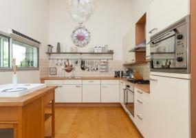 Van Heenvlietlaan 309, Amsterdam, Noord-Holland Netherlands, 3 Bedrooms Bedrooms, ,1 BathroomBathrooms,Apartment,For Rent,Van Heenvlietlaan ,4,1202