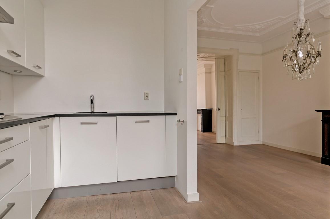Cornelis Schuytstraat 10-II, Amsterdam, Noord-Holland Nederland, 2 Bedrooms Bedrooms, ,1 BathroomBathrooms,Apartment,For Rent,Cornelis Schuytstraat,2,1244