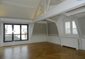 Tesselschadestraat 13-C 1054 ET, Amsterdam, Noord-Holland Nederland, 4 Bedrooms Bedrooms, ,2 BathroomsBathrooms,Apartment,For Rent,Tesselschadestraat,3,1250