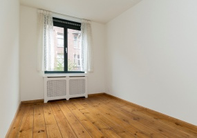 Pieter de Hoochstraat 7-G, Amsterdam, Noord-Holland Nederland, 2 Bedrooms Bedrooms, ,1 BathroomBathrooms,Apartment,For Rent,Pieter de Hoochstraat ,1,1252