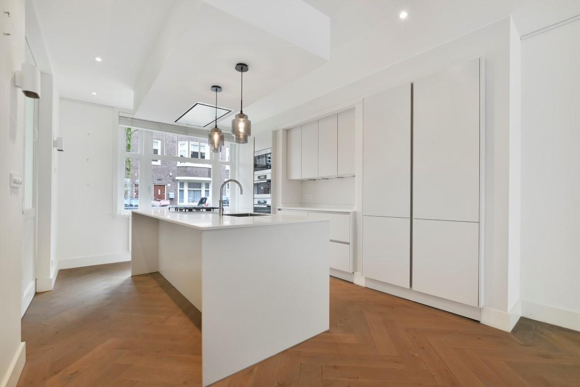 Leiduinstraat 34 huis 1058SK, Amsterdam, Noord-Holland Netherlands, 3 Bedrooms Bedrooms, ,1 BathroomBathrooms,Apartment,For Rent,Leiduinstraat,1276
