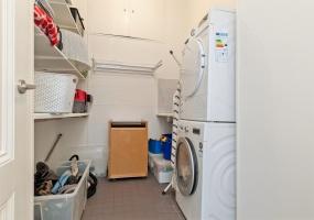 Johannes Verhulststraat 162-II 1075 HB, Amsterdam, Noord-Holland Nederland, 3 Bedrooms Bedrooms, ,1 BathroomBathrooms,Apartment,For Rent,Johannes Verhulststraat 162-II,2,1281