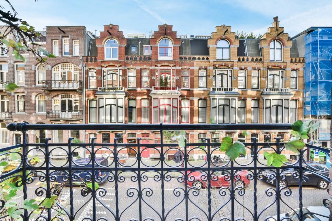 Valeriusstraat 50 hs 1071 MK, Amsterdam, Noord-Holland Nederland, 4 Slaapkamers Slaapkamers, ,2 BadkamersBadkamers,Appartement,Huur,Valeriusstraat,1,1327