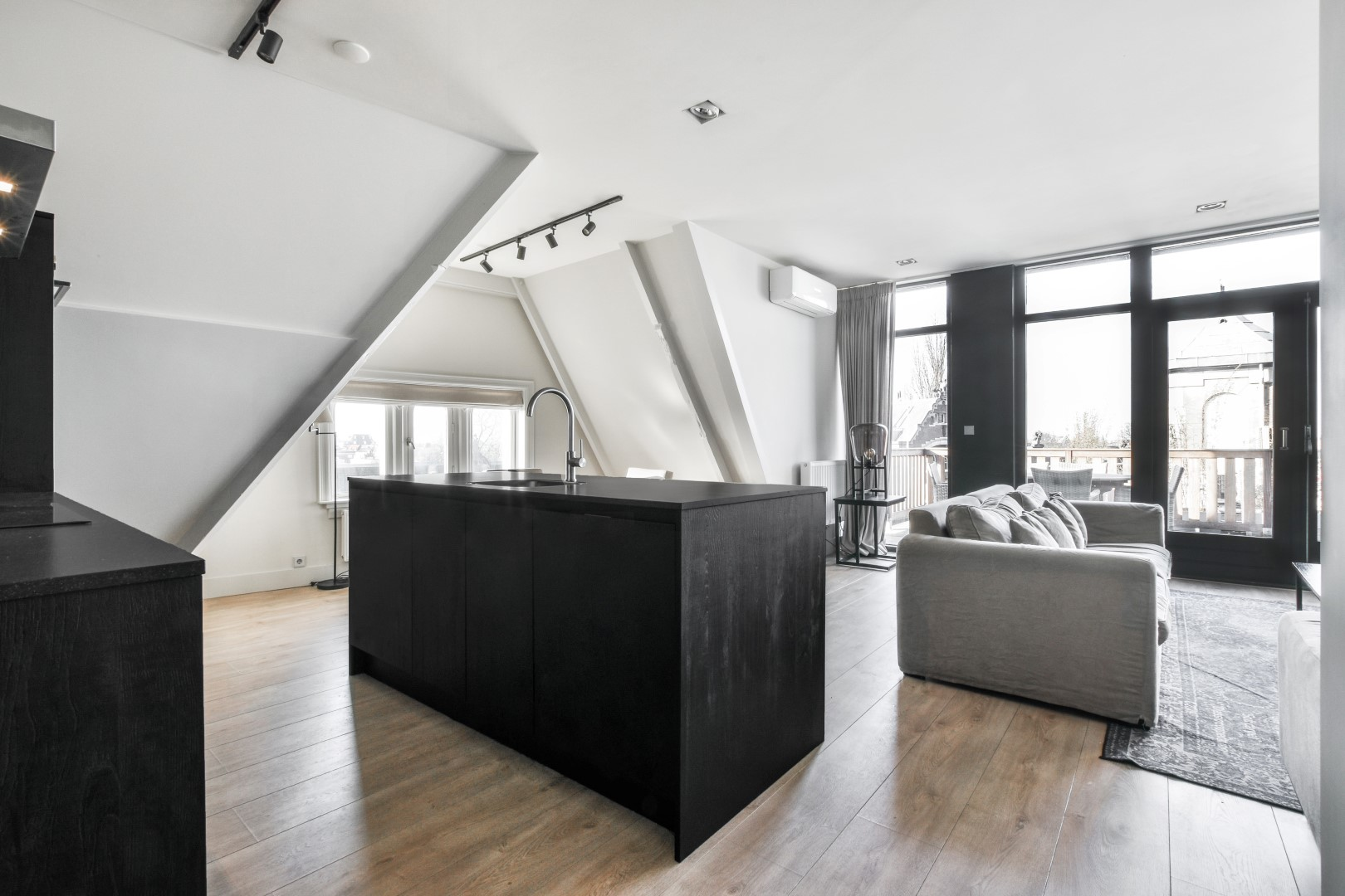 Herengracht 184 B 1016 BS, Amsterdam, Noord-Holland Netherlands, 2 Slaapkamers Slaapkamers, ,1 BadkamerBadkamers,Appartement,Huur,Herengracht,5,1340