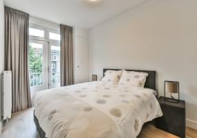 van Walbeeckstraat 44-II 1058 CT, Amsterdam, Noord-Holland Nederland, 2 Bedrooms Bedrooms, ,1 BathroomBathrooms,Apartment,For Rent,van Walbeeckstraat ,2,1347