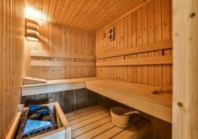 Cornelis Schuytstraat 42-II, Amsterdam, Noord-Holland Netherlands, 4 Bedrooms Bedrooms, ,2 BathroomsBathrooms,Apartment,For Rent,Cornelis Schuytstraat,2,1349