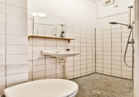 Kromme Mijdrechtstraat 21 huis, Amsterdam, Noord-Holland Netherlands, 1 Bedroom Bedrooms, ,1 BathroomBathrooms,Apartment,For Rent,Kromme Mijdrechtstraat ,1350