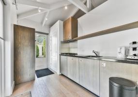 Amsteldijk Noord 154, Amstelveen, Noord-Holland Nederland, 6 Bedrooms Bedrooms, ,4 BathroomsBathrooms,House,For Rent,Amsteldijk Noord,1412