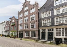 Binnen Wieringerstraat,Amsterdam,Noord-Holland Nederland,2 Slaapkamers Slaapkamers,1 BadkamerBadkamers,Appartement,Binnen Wieringerstraat,1,1071